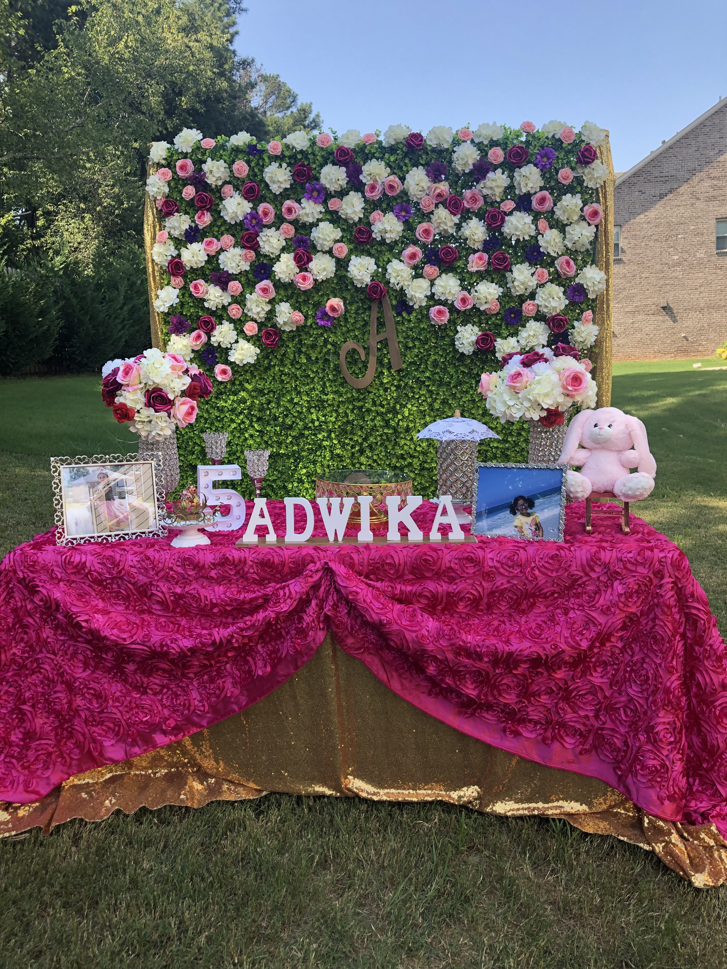 5th Birthday Outdoor Decorations Grass Backdrop With Flowers In Alpharetta Ga Anju Events Decorations Best Party Event Planning And Decorations In Atlanta Birthday Parties Graduation Parties More